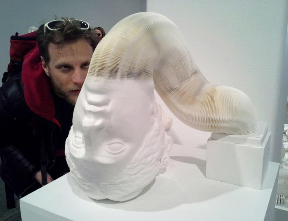 Statues de papier en mouvement par Li Hongbo