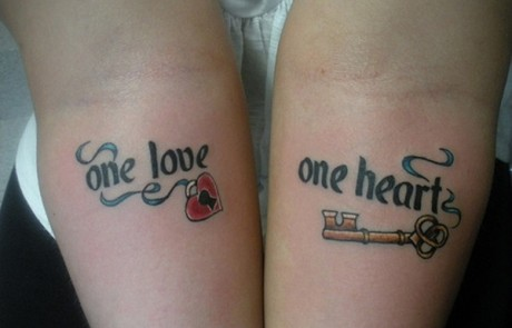 Couple-Tattoo-coeur-cle-amour-avant-bras