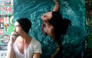 Gustavo-Silva-Nunez-femme-piscine-vue-dessus-peinture