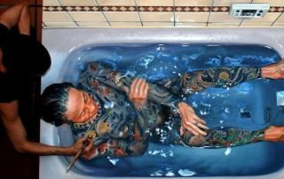 Gustavo-Silva-Nunez-yakusa-baignoire-peinture