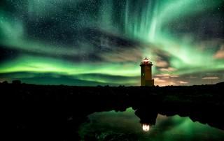 Phare-aurore-boreale-Islande-Gunnar-Gestur