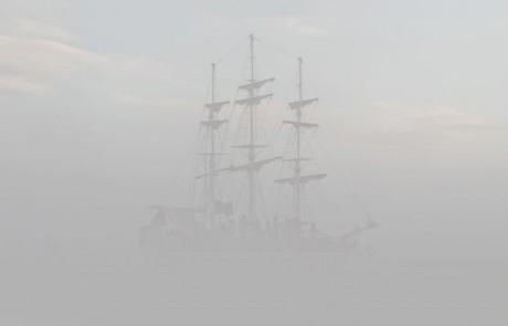 Portraits-Gabriel-de-la-Chapelle-voilier-brume-brouillard
