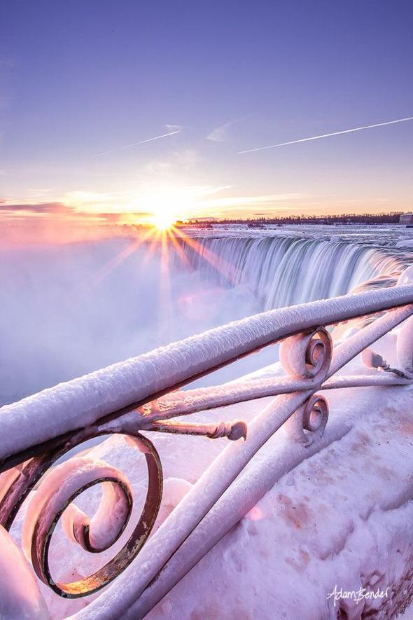 Rivière gelée - Adam Bender