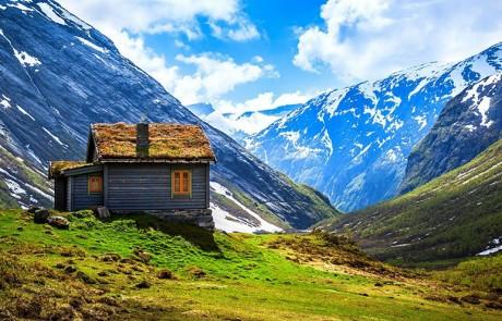 architecture-norvegienne-conte-fee-vieille-maison