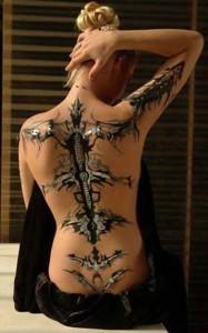 body painting dos de femme bionique