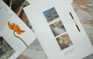 brochure-professionnelle-fleur-remplie-espace-vide-simplement-style-design