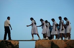 chemin-ecolier-dangereux-Sri-Lanka-forteresse-Galle