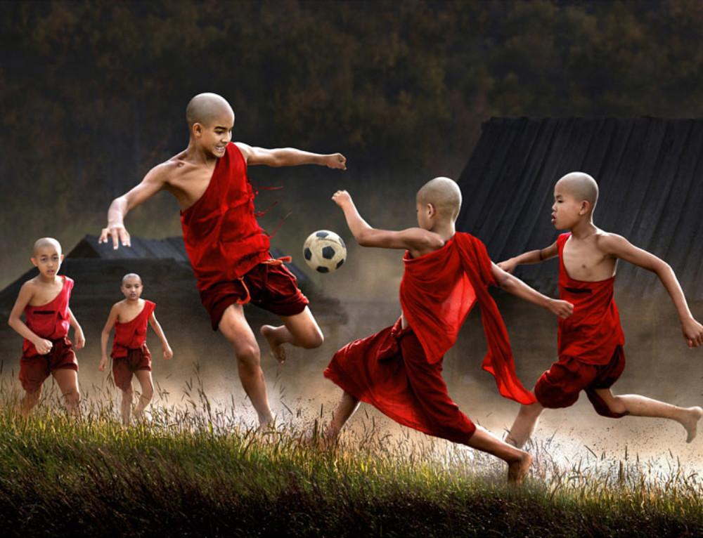 25 Photos magiques d'enfants jouant autour du monde