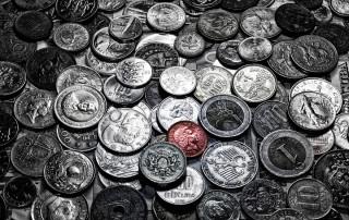 couleur-unique-noir-blanc-piece-monnaie-penny-bronze