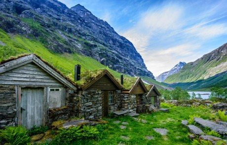 architecture-norvegienne-conte-fee-vieilles-fermes