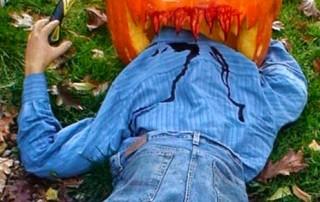 halloween-citrouille-jack-o-lantern-cannibale-mange-fermier-homme-hache