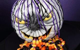 halloween-citrouille-jack-o-lantern-crache-bonbons-demoniaque-violet