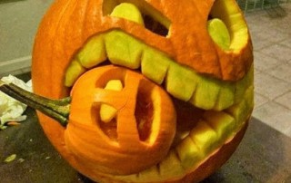halloween-citrouille-jack-o-lantern-mange-petite-citrouille-hurlante