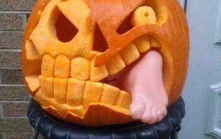 halloween-citrouille-jack-o-lantern-mange-pied-fantome-opera