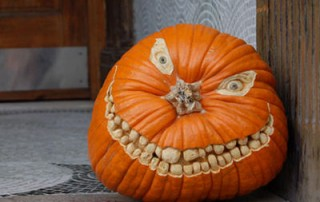 halloween-citrouille-jack-o-lantern-sourire-dent-innombrable