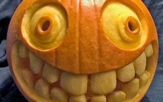 halloween-citrouille-sourire-imbecile