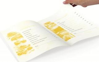 menu-restaurant-carte-atypique-couleur-jaune-marche-niche-2