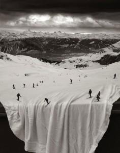 ski-drap-tombe
