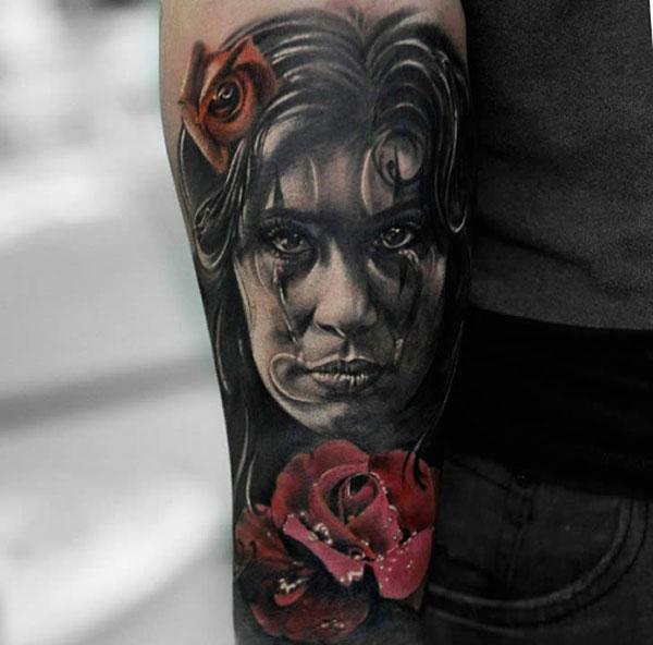 tatoo-visage-femme-rose