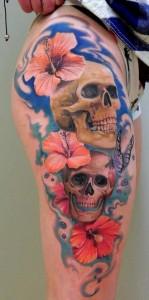 tatouage-jambe-crane-fleur