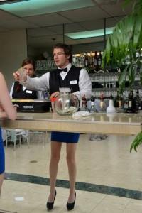 trompe-oeil-barman-talon-robe